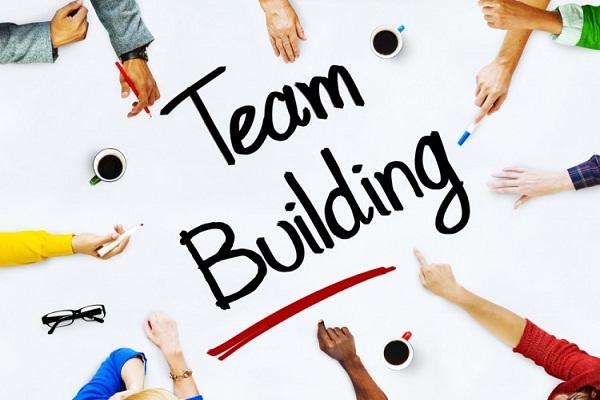 Team building là gì? Nghệ thuật nâng cao hiệu suất làm việc