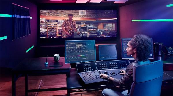 Post production là gì và vai trò tối quan trọng của trong sản xuất phim