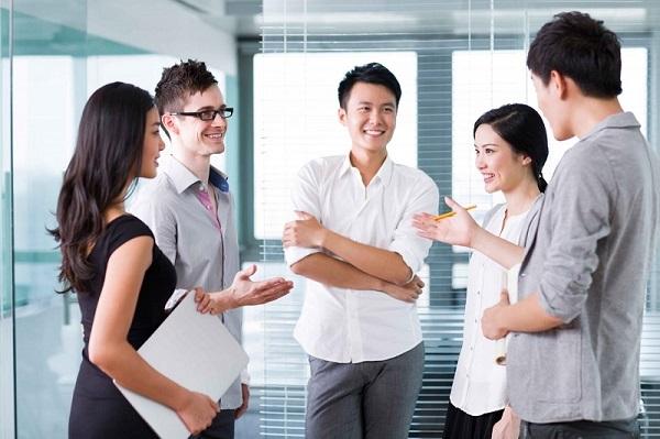 6 Cách tạo thiện cảm khi giao tiếp