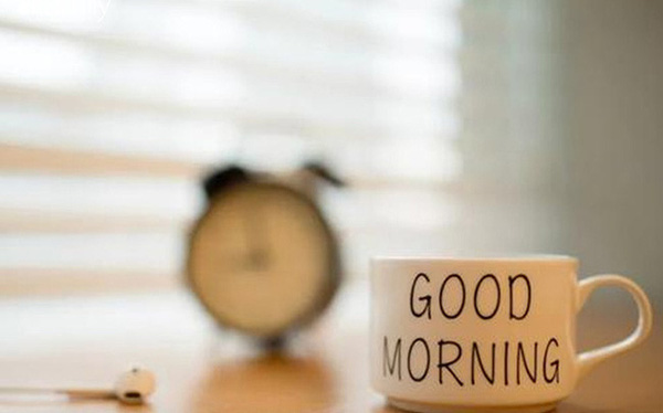 Cách dậy sớm tự nhiên mà không cần báo thức