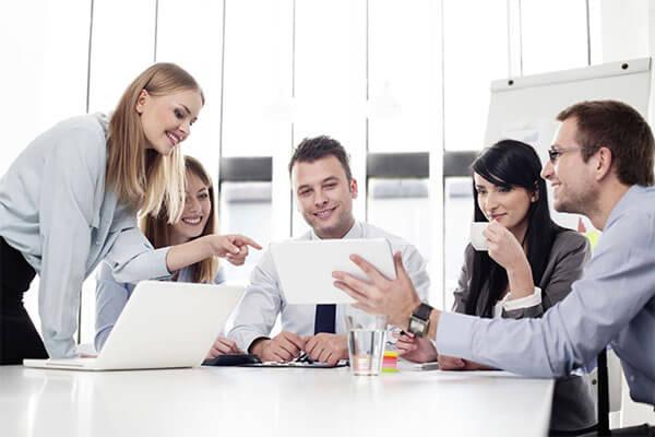 Uy tín là gì? 7 Cách tạo dựng uy tín tại nơi làm việc