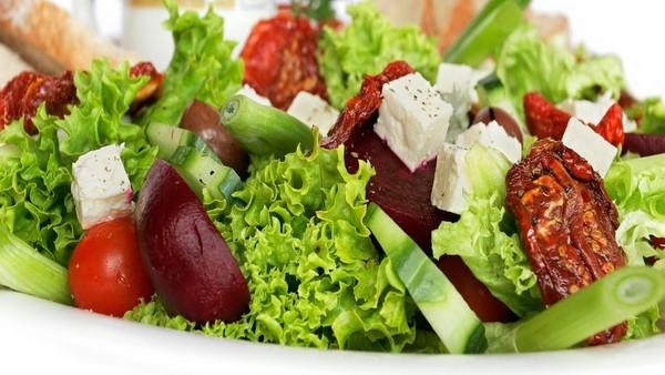 Hướng dẫn cách làm 3 món salad rau củ giúp giảm cân hiệu quả
