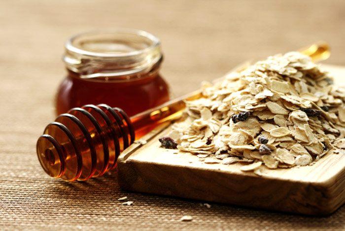 Mặt nạ yến mạch mật ong - công thức hàng đầu cho làn da sạch mụn