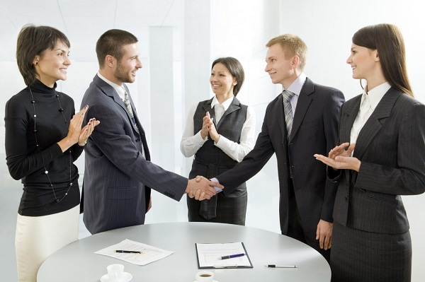 5 Cách giao tiếp giúp bạn tự tin trước đám đông