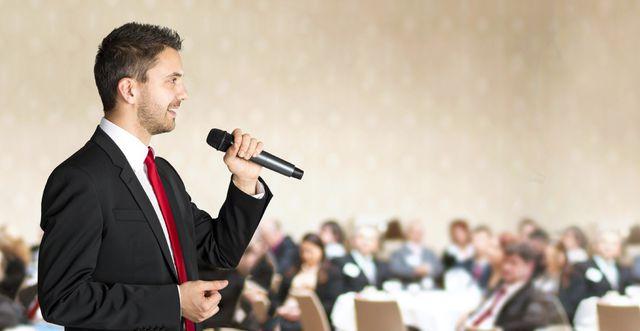 Cách thuyết trình thu hút khán giả từ những giây đầu tiên