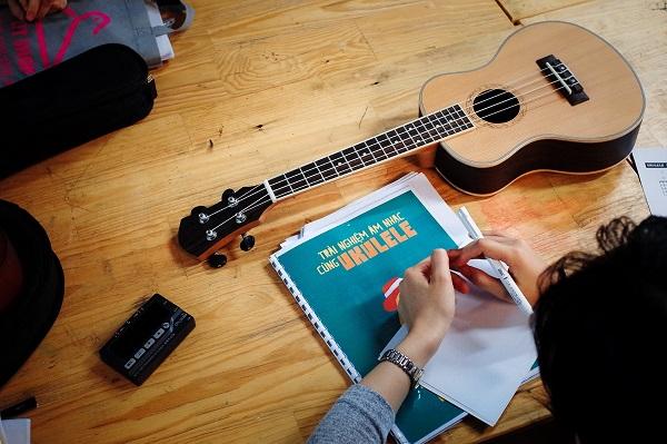 Hướng dẫn chơi đàn Ukulele cơ bản tại nhà cho người mới bắt đầu
