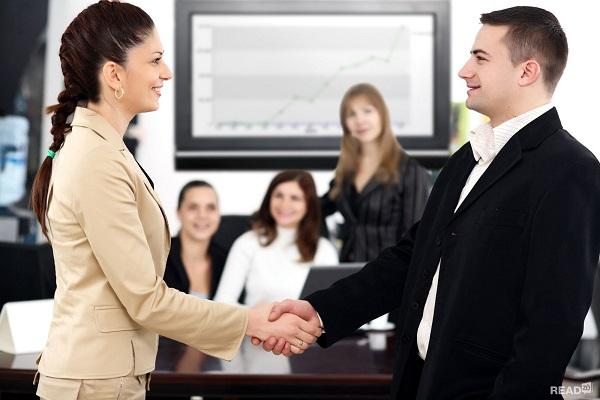Cách giao tiếp đối với những người lần đầu gặp mặt