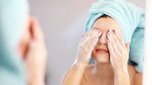 5 lưu ý cho da nhờn mụn nên dùng sửa rửa mặt gì?