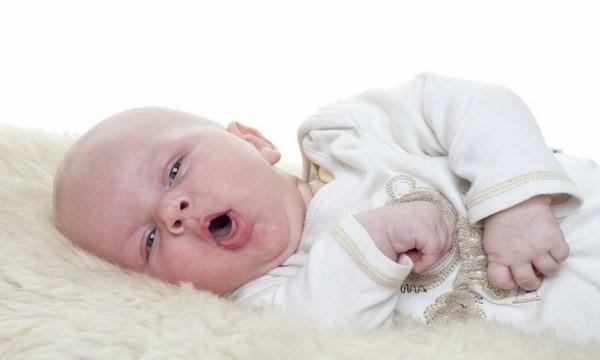 Trẻ sơ sinh bị ho: Nguyên nhân và cách điều trị dứt điểm