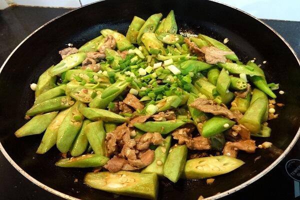 Cách chế biến đậu bắp xào thịt bò thơm ngon không cưỡng nổi