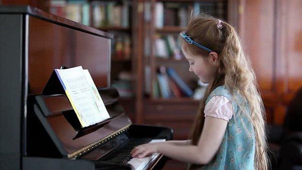 Bật mí 3 cuốn sách dạy đàn Organ cơ bản bạn không nên bỏ qua