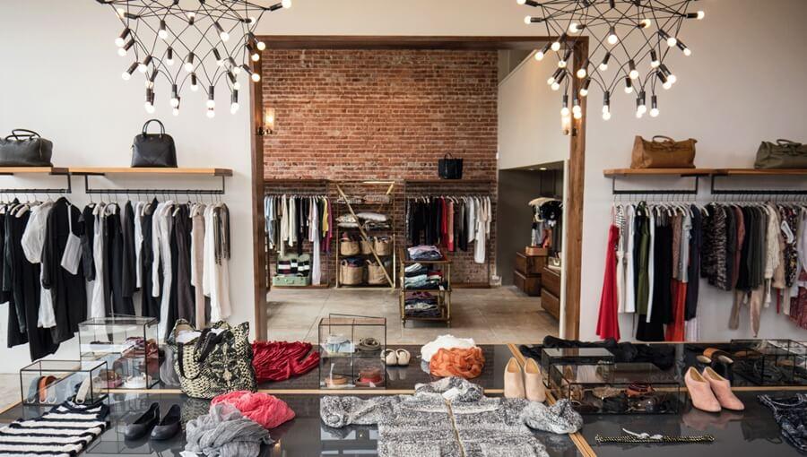 Nên bán quần áo hay giày dép? Làm sao để nhập được hàng chất lượng?