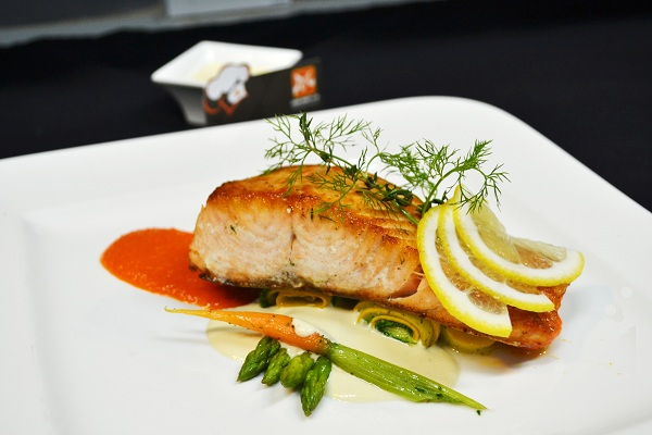 Trở thành đầu bếp chuyên nghiệp với món cá hồi sốt bơ chanh