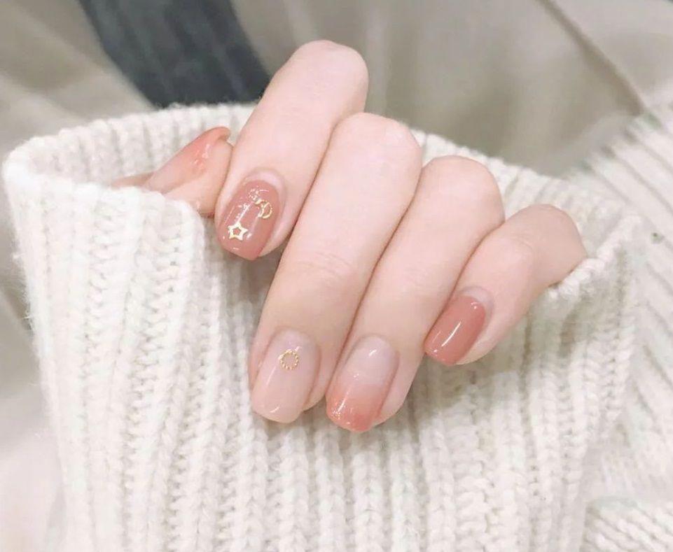 """3 mẫu nail đơn giản dễ thương """"chất như nước cất"""""""