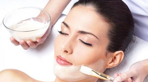 Bật mí 3 cách làm mặt sữa chua trị mụn siêu hiệu quả tại nhà