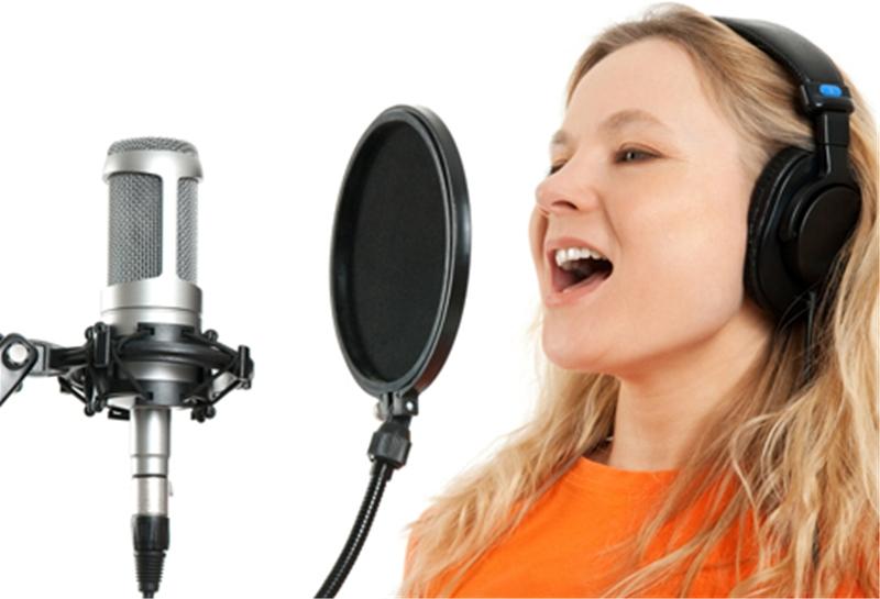 Học lỏm cách luyện giọng hát trầm như ca sĩ nổi tiếng