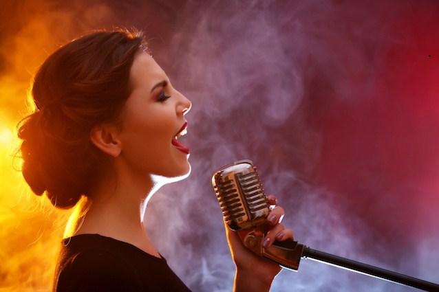 Cách học hát chuyên nghiệp tại nhà để bạn tự tin tỏa sáng