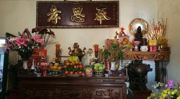 Cách trang trí bàn thờ gia tiên hợp phong thủy rước tài lộc vào nhà