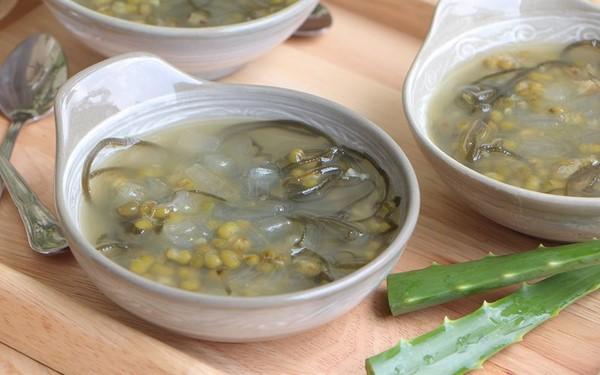 Bí quyết nấu món chè đậu xanh nha đam ngọt ngon, mát lịm