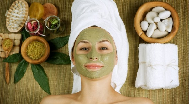 Cách làm mặt nạ trà xanh trị thâm mụn hiệu quả