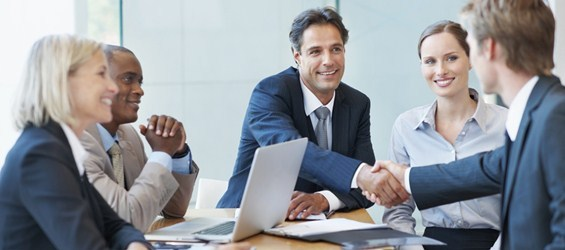 Học tiếng Anh giao tiếp doanh nghiệp cho sinh viên mới ra trường
