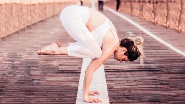 Những lưu ý giúp bạn chinh phục bộ môn yoga tư thế con quạ độc đáo