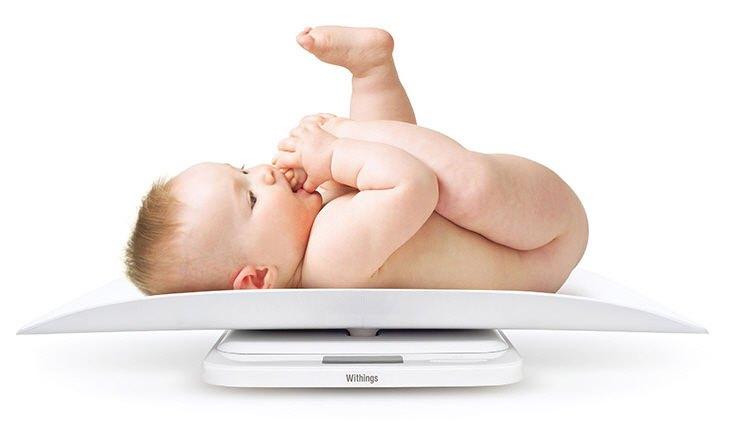 Bé 4 tháng tuổi cân nặng bao nhiêu? Cần làm gì khi trẻ không tăng cân?