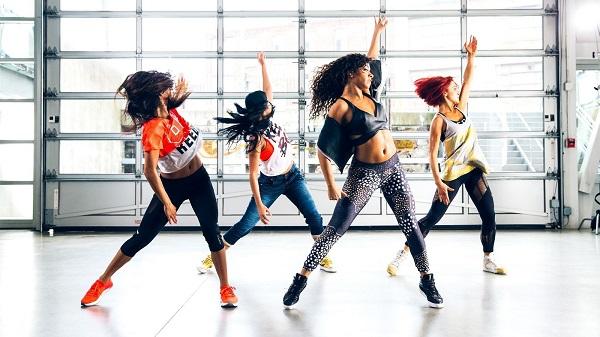 """Zumba Dance - """"phương thuốc"""" quý cho sức khỏe con người"""