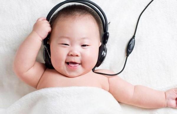 Bật mí cách chọn nhạc giúp bé ngủ ngon mẹ nào cũng phải biết