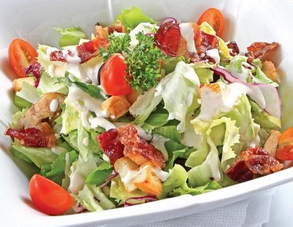 Bật mí cách làm salad cá ngừ với 2 bước cực kỳ đơn giản