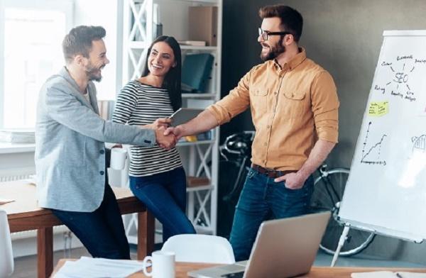 Top 4 phép lịch sự trong giao tiếp giúp bạn dễ dàng chinh phục đối phương