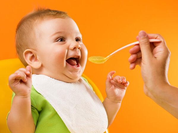 Thực đơn ăn dặm cho bé 5 tháng kiểu Nhật mẹ cần biết