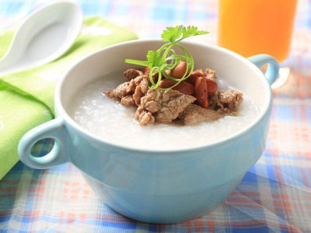4 cách nấu cháo thịt bò cho bé hay ăn chóng lớn
