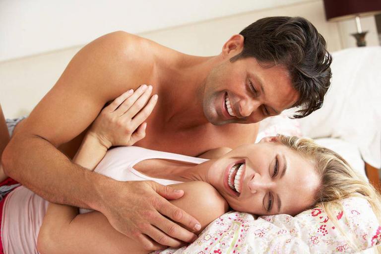 """Mách """"hội chị em"""" cách nhận biết đàn ông lâu ngày không quan hệ"""