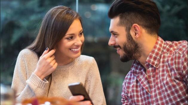 Bí kíp giúp phụ nữ nói chuyện cuốn hút hơn