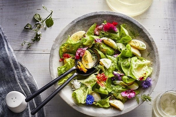 Bật mí cách làm salad rau xà lách thanh mát cho bữa ăn cuối tuần