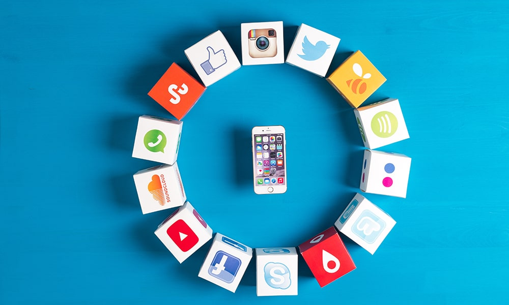 Social media marketing là gì? 5 chiến lược chinh phục mọi người dùng