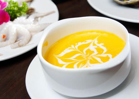 """Học ngay cách làm súp kem bí đỏ """"ngon như nhà làm"""""""