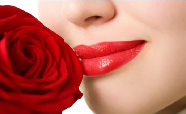 Góc giải đáp: Sau phun môi bao nhiêu ngày thì được đánh son?