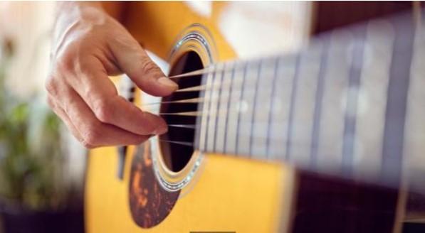 Bật mí cách học đàn guitar cho người mới bắt đầu nhanh chóng và hiệu quả nhất