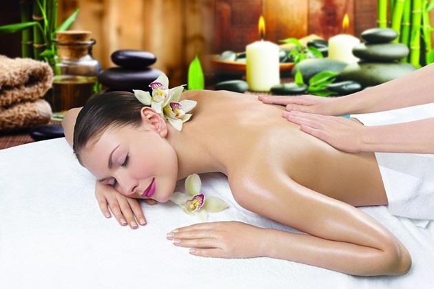 Thăng hoa cảm xúc với phương pháp massage thư giãn bằng tinh dầu