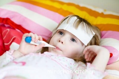 Trẻ em bao nhiêu độ là sốt? Cách đo thân nhiệt chuẩn nhất